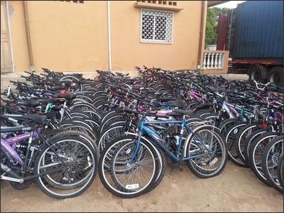 DHL vân chuyển 800 xe đạp từ thiện tới Madagascar